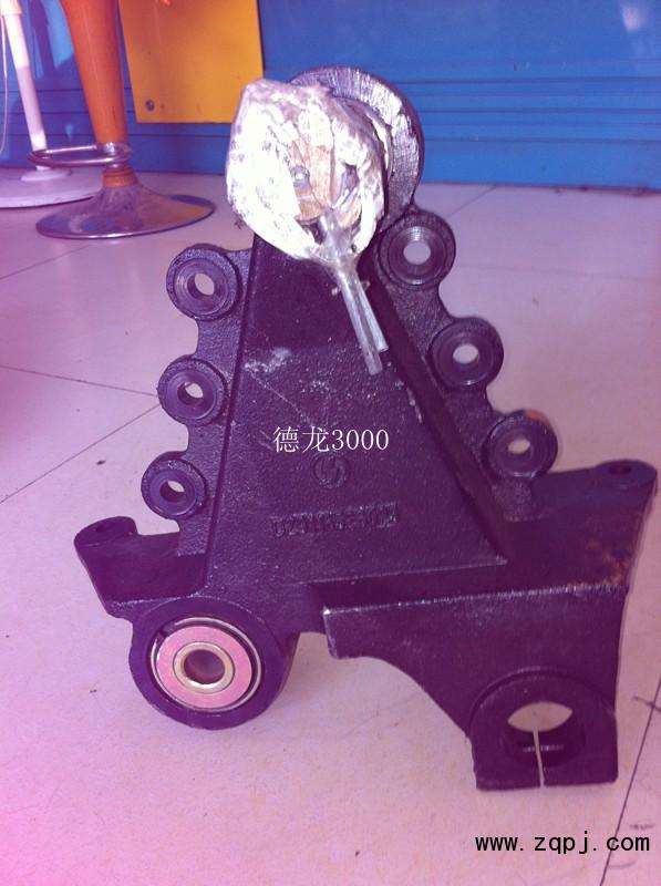 新到德龙F3000的前簧后支架DZ9118526024/DZ9118526024