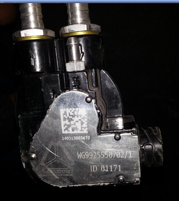 重汽豪沃油位传感器(接16×2管)WG9925550702/WG9925550702