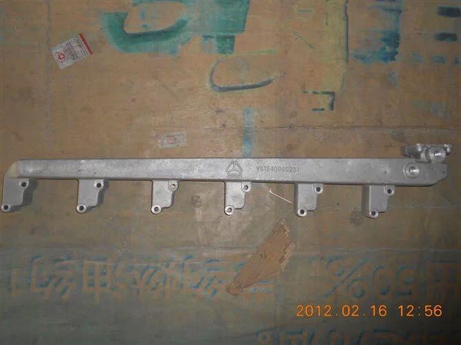 济南君鹏供应重汽发动机出水管VG1540040231/VG1540040231