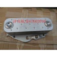 VG1500010335机油冷却器