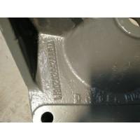 WG9925520208/板簧右支架