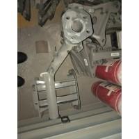 WG9925930190重汽T7M脚踏板支架