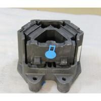 WG9925590210  发动机前橡胶支承