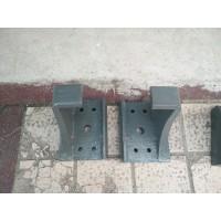 WG9925525283新款钢板弹簧座