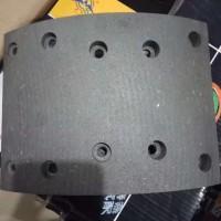 德龙车型后轮刹车片
