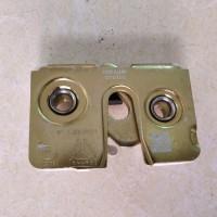 中国重汽豪沃车门锁挡块总成锁块锁芯锁体锁总成原厂WG1642340013