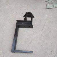 陕汽重卡德龙三角形油滤器支架DZ95259190040