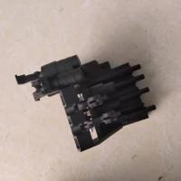 陕汽重卡配件德龙X3000原厂座椅气囊阀