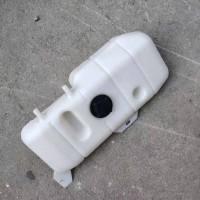 中国重汽豪沃膨胀水箱副水箱