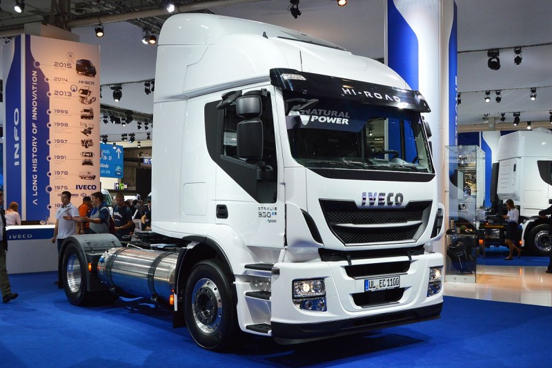 2014_Iveco_Stralis_330_CNG._Spielvogel