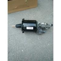 WG9725230042离合器分泵
