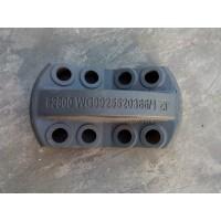 WG9925520366豪沃后簧盖板
