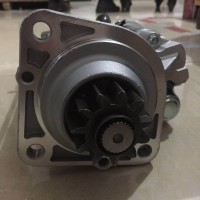 适用于重汽豪沃发动机VG1560090007减速型起动机