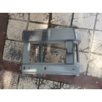 WG1671240229脚踏板骨架