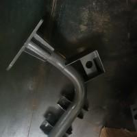 WG9925930390踏板支架