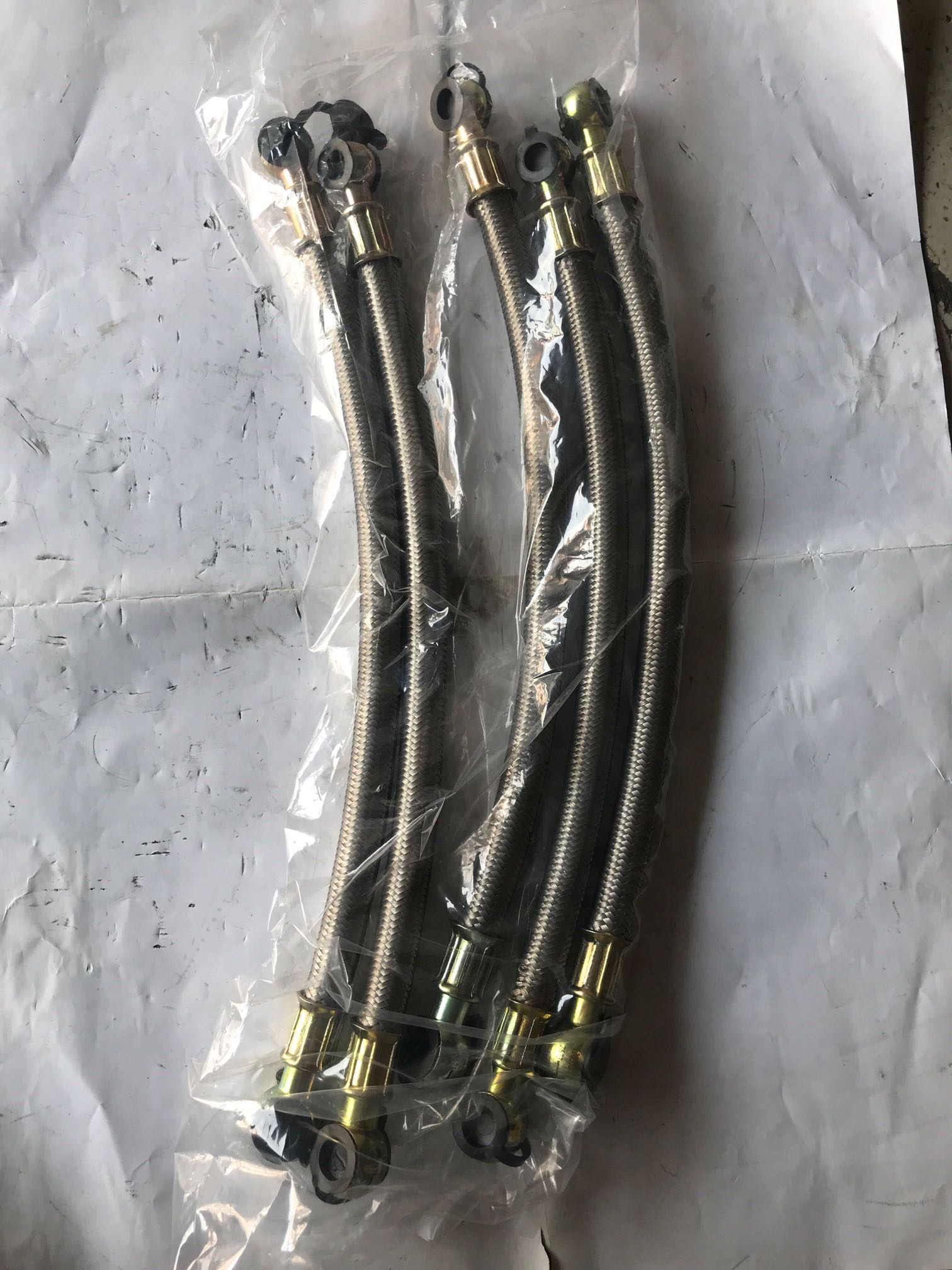 潍柴动力WP6发动机空压机水管总成13035239
